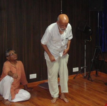 Natmandap-Theater-Workshop-Javed-Akhtar-Prasanna-Banner_1509203149.jpg